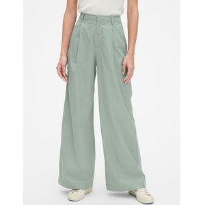 NWT GAP Wide Leg High Rise Pleated Chino Pants